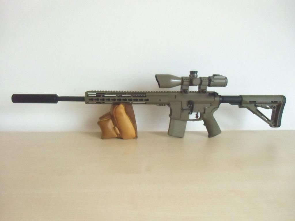 Hera Arms SD-Attrappe 1