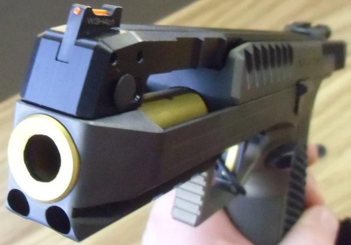 laugo-arms-05-1.jpg